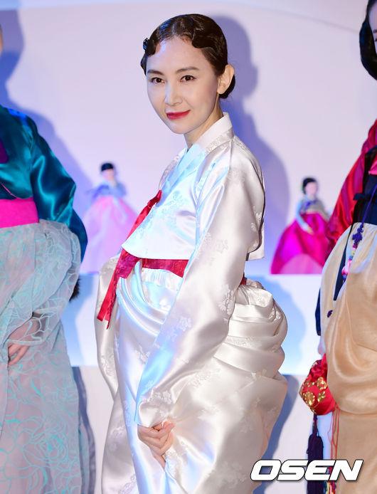 [사진]채시라, '아름다운 한복 자태'