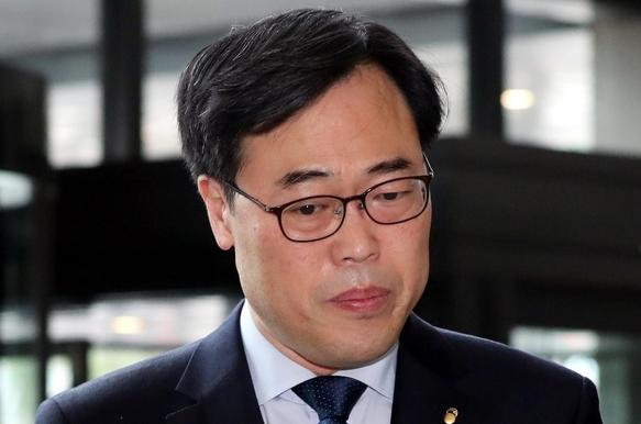 김기식, 부대의견 '꼼수'로 KIEP 예산 3억 받는데 일조