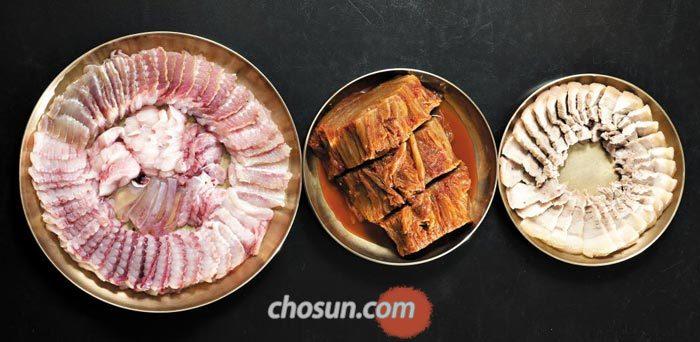숙성 홍어의 본고장인 영산포에서는 삭힌 홍어, 묵은 김치, 삶은 돼지고기의 삼중주가 절묘한 홍어 삼합을 맛볼 수 있다.