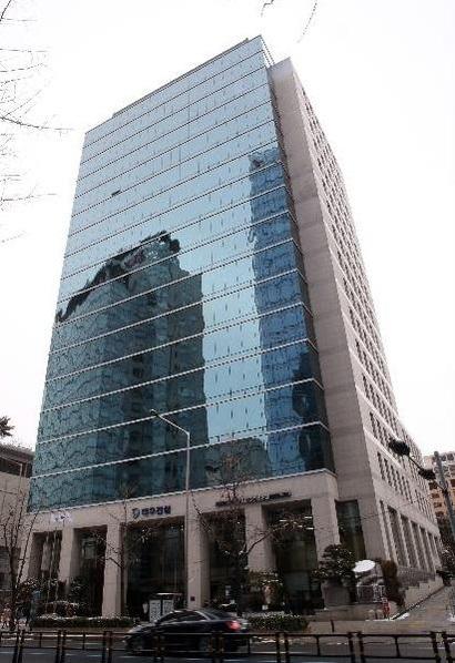 서울 종로구 새문안로에 있는 대우건설 본사 사옥. /조선일보 DB