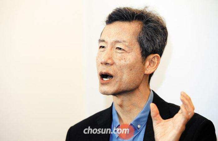 """김영환씨는 """"조국 민정수석은 법대 동기로 운동권 축에 못 끼였고 교류가 없었다""""고 말했다."""