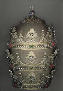 비오 9세(재위 1846~1878) 교황의 삼중관.