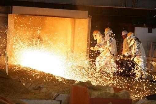 포스코 파이넥스 설비에서 생산되는 쇳물 /포스코 제공