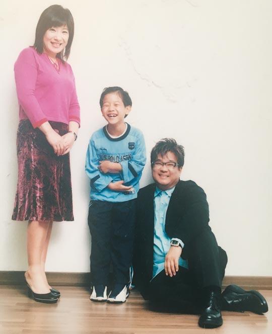 노사연·이무송씨 가족이 결혼 10주년 즈음 찍은 사진.