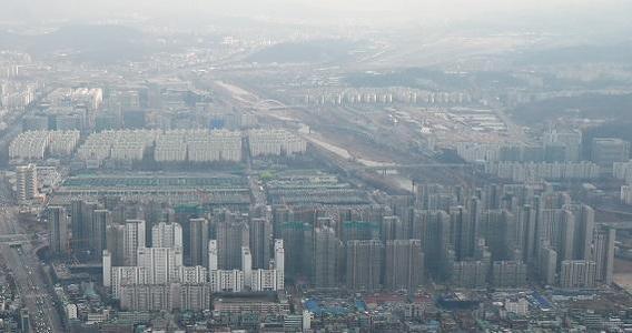 올해 말 준공을 앞둔 서울 송파구 가락동 '헬리오시티' 건설 현장. /연합뉴스