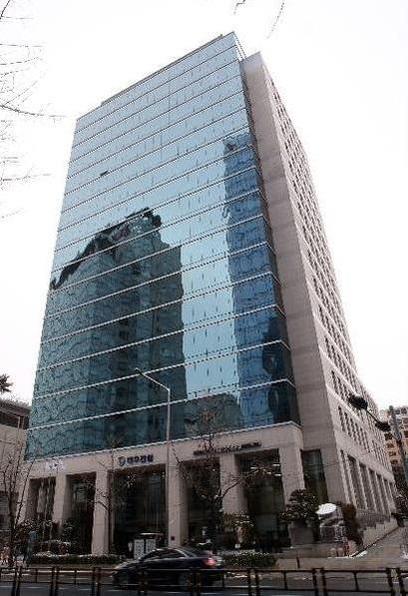 서울 종로구 새문안로에 있는 대우건설 본사 사옥. /조선일보DB