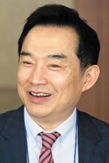 허윤 서강대 교수