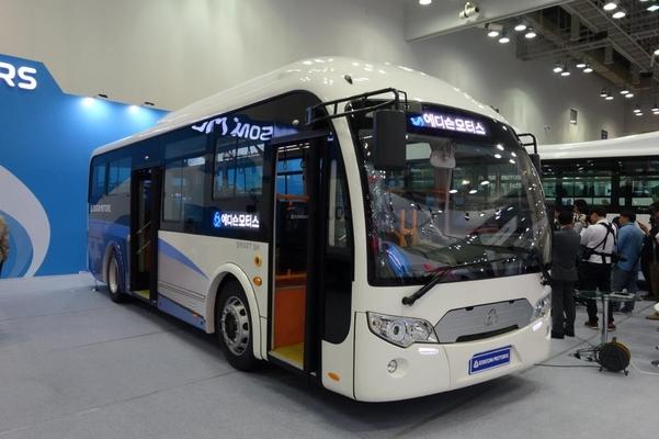 국내 전기버스 제조업체인 에디슨이 전시한 전기버스/진상훈 기자