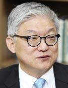 윤덕민 前 국립외교원장·한국외대 석좌교수
