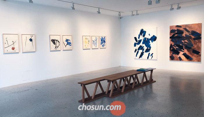 서울 용산구 한남동 '사운즈 한남'에 있는 가나아트갤러리의 분점 '가나아트 한남'. 29일까지 오수환 드로잉전이 열린다.