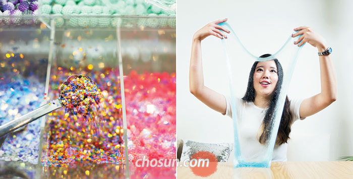 서울 청담동 슬라임 카페 '모듈팟'에 진열된 다양한 색과 촉감의 재료들. 원하는 대로 골라 나만의 슬라임을 만들 수 있다(사진 왼쪽). 슬라임 카페에서 직접 만든 슬라임으로 놀이를 즐기고 있다.