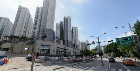 서울 은평구 녹번동 일대에 지어지는 새 아파트 단지 전경. /조선일보 DB