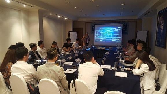 구경완 K&Partners 대표가 전국 글로벌 의료관광협회 주최로 지난 4월 베트남 호치민 렉스호텔에서 열린 한 세미나에서 주제 발표를 하고 있다. /K&Partners 제공