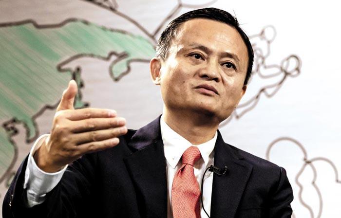 중국 최대 전자상거래 기업인 알리바바를 창업한 마윈 회장이 자신의 55번째 생일이자 알리바바 창업 20주년인 내년 9월 10일에 회장 자리에서 물러나겠다고 밝혔다.