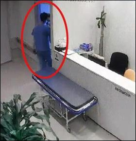 최근 부산의 한 정형외과에서 의료 기기 영업사원이 수술복을 입고 의사 대신 수술장에 들어가는 장면.