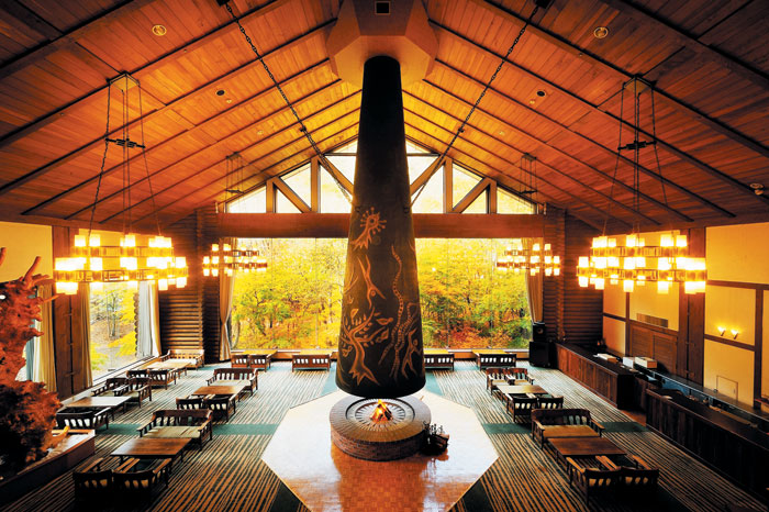 아름다운 온천이 있는 오이라세계류 호텔의 내부. / 롯데관광제공