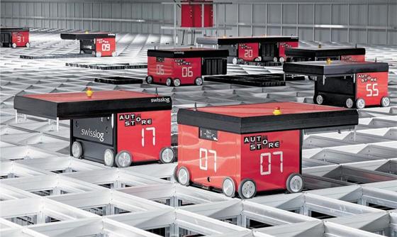 회전율 따라 상품 옮기는 물류 로봇 - 스위스 자동화 설루션 기업인 스위스로그(Swisslog)의 오토스토어(Autostore) 로봇이 그리드형 물류창고에서 분류 및 운송 작업을 하고 있다.