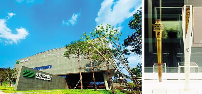 한국 스포츠 역사를 한눈에 볼 수 있는 전시가 경기도 수원광교박물관(왼쪽 사진)에서 12월 16일까지 열린다. 88서울올림픽 성화봉(오른쪽 사진 왼쪽), 지난 2월 평창 동계올림픽 성화봉(오른쪽 사진 오른쪽) 등 100여 점이 나온다.
