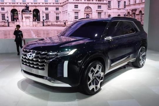 지난 6월 부산 모터쇼에서 공개된 현대차 대형 SUV 콘셉트카/진상훈 기자