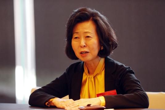 후카가와 유키코 와세대교수가 2018 이코노미조선 글로벌 콘퍼런스 참석 후 인터뷰를 갖고 있다. /이존환