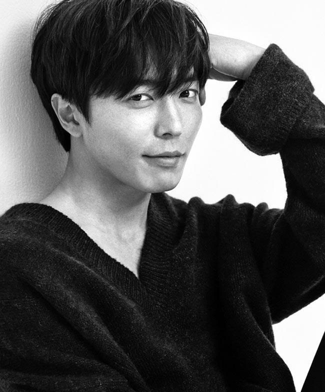 """김재욱은""""커피프린스에 출연했던 김동욱과 11년 만에 다시 만났다. 아저씨 같이 들리겠지만'인 생 참 재밌다'는 생각을 많이 했다""""고 했다."""