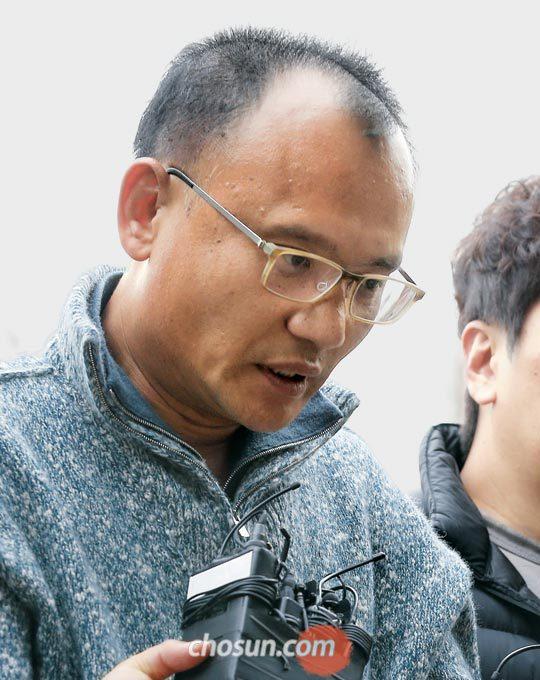 7일 오후 체포된 양진호 한국미래기술 회장이 경기남부경찰청으로 압송되고 있다.