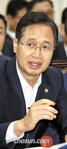 김용희 전 선관위 사무총장은 우리 선거 시스템을 알리는 과정에서 우수한 국내 기업을 도왔을 뿐이라고 얘기한다.