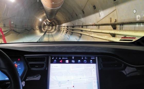 LA 인근에 완공한 하이퍼루프 터널 내부 모습.