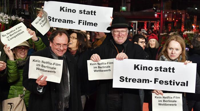 스크린에 빨간 알파벳 'N' 나타나자… 야유로 뒤덮인 베를린 영화제