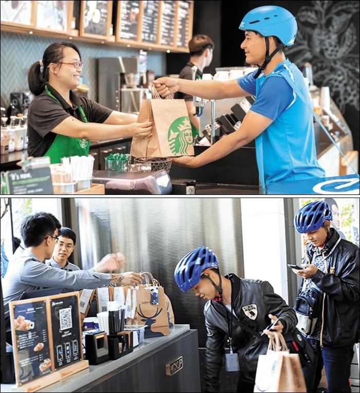 중국 스타벅스(위쪽)와 러킨커피(아래쪽) 직원이 주문받은 커피를 배달원에게 건네고 있다. 러킨이 커피 배달로 큰 인기를 끌자, 스타벅스도 작년 8월 중국에서 배달 서비스를 시작했다.