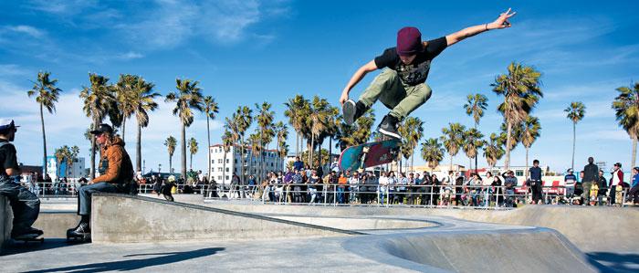 미국 캘리포니아의 환상적인 날씨와 아름다운 해변을 만끽할 수 있는 베니스 비치. 스케이트 보더들의 '성지(聖地)'로 LA에서 손꼽히는 랜드마크다.
