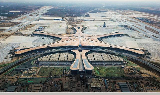 오는 9월 개항을 앞두고 마무리 작업 중인 베이징 다싱신공항./바이두