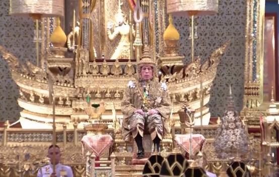 태국 새 국왕 공식 즉위…69년 만에 '초호화' 대관식