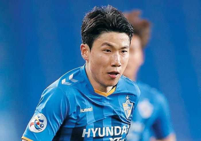 지난 7일 울산 현대 김인성이 아시아축구연맹(AFC) 챔피언스리그 호주 시드니FC 경기에서 달려가는 모습.