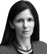 엘리사 마르티니치 블룸버그 칼럼니스트