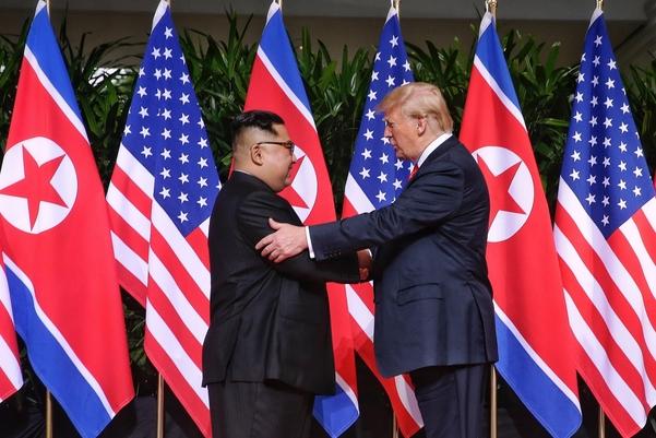 김정은(왼쪽) 북한 국무위원장과 도널드 트럼프 미국 대통령. /연합뉴스