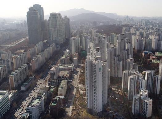서울 강남의 아파트 단지. /조선DB