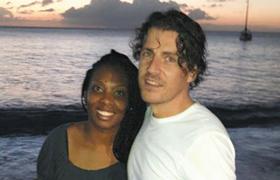 동거하며 출산 계획 커플 - 7년간 연애, 지난해부터 동거 중인 클로에(왼쪽)와 남자친구 존.