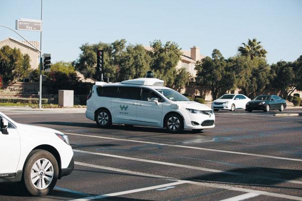 캘리포니아, 애리조나 등에서 운행 중인 구글 계열사 웨이모의 자율주행차.