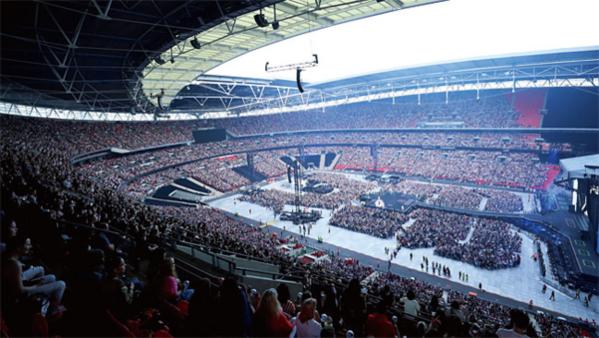 방탄소년단은 지난 6월 티켓 오픈 90분 만에 영국 런던 웸블리 스타디움 6만석 전 좌석을 매진시켰다. 이후에도 계속 회당 5만장 이상의 티켓을 판매해 스타디움 세계 투어차트 1위를 차지했다.