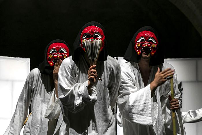 (사진1) 유럽 젊은 연극제 2019에서 1등상을 받은'Herro?'의 한장면