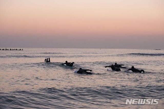 양양 죽도해변 서핑모습