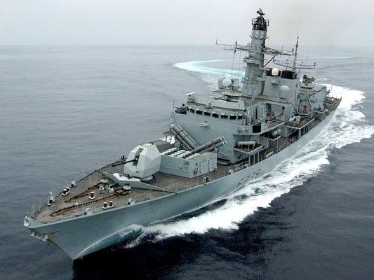 영국 해군이 영국 유조선을 호위하기 위해 중동 해역에 파견한 소형구축함 몬트로즈함. /로이터 연합뉴스