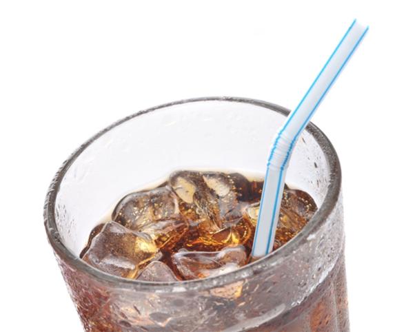 하루에 설탕 첨가 음료를 100mL이상 섭취할 경우 암 발생률이 18% 올라간다는 연구결과가 나왔다. /조선DB