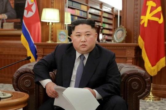 김정은 북한 국무위원장이 2019년 1월 1일 신년사를 발표하고 있다./조선중앙통신