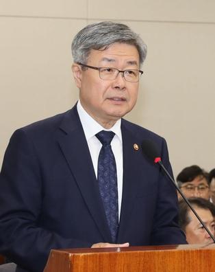 이재갑 고용노동부 장관./연합뉴스