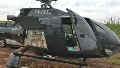 코카인을 가득 싣고 가던 헬기가 브라질 연방경찰에 적발됐다. / 브라질 뉴스포털 G1
