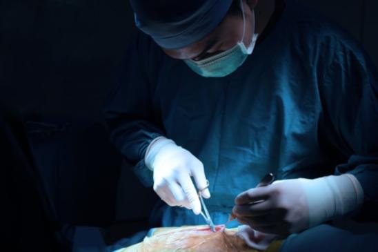 인공유방 보형물 이식 후 종양 발생…국내 40대 환자 첫 보고