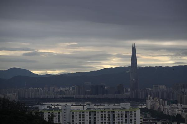 전국 흐리고 중부·남부 비 소식…강원권은 폭염