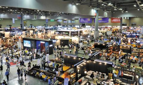 코펀 2019는 '코펀에서 당신의 공간을 디자인하세요'라는 슬로건으로 '카림라시드' 초청 컨퍼런스를 시작으로 다양한 행사를 운영하며 작년 대비 해외 참가업체와 해외 바이어가 2배가량 증가해 국제 가구 전시회로서의 명성을 이어갈 전망이다./대한가구산업협동조합연합회(KFFIC) 제공·게티이미지뱅크